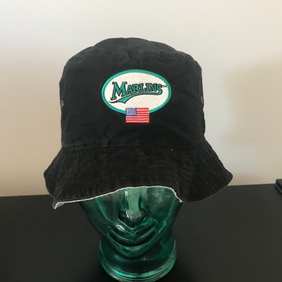 69373cd2508 MLB MIAMI Florida MARLINS Bucket Hat Reversible. M 5b64880274359b7ccdca3234